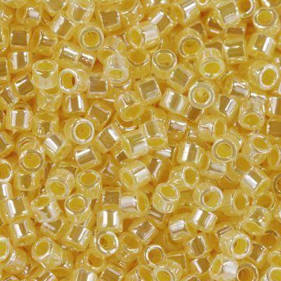 Miyuki perle Delica ceylon custard 1.6 x 1.3 mm DB-233