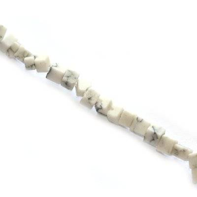 china howlite chips / semi-precious stone synthetic
