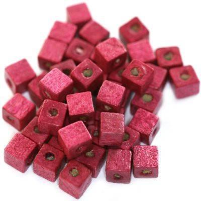 koraliki drewniane kostki różowe 6 mm