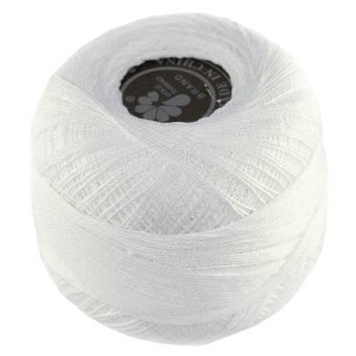 bobine en laine blanche