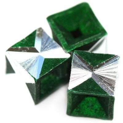 cubes d'aluminium émeraude 8 mm