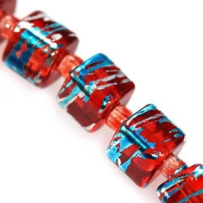 kostki kosmiczne czerwone z niebieskim 4 mm