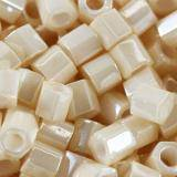 koraliki Toho hex opaque-lustered lt beige 3 mm TH-08-123