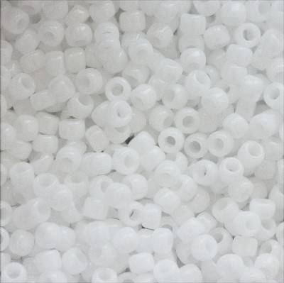 Toho beads round opaque white 1.6 mm TR-15-41