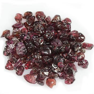 garnet chips / gemstone