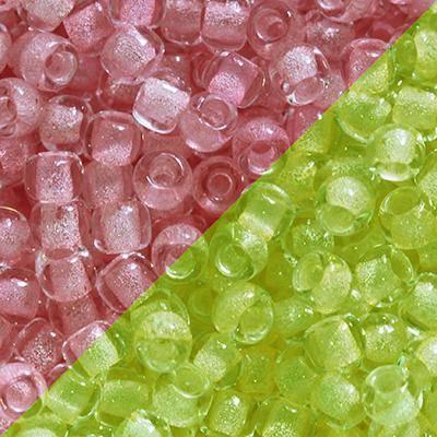 perline Toho round glow in the dark - pink/yellow green 2.2 mm TR-11-2720