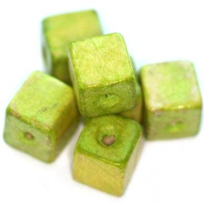 koraliki drewniane kostki jasno-zielone 12 mm