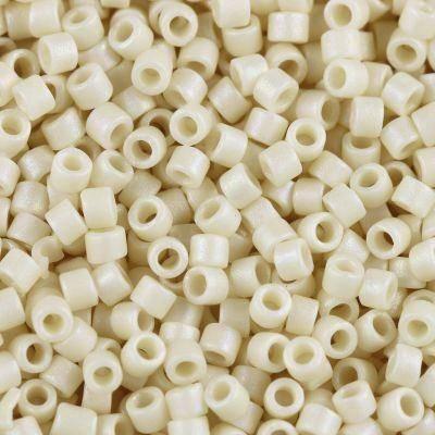 Perline Miyuki Delica matte opaque ivory ab 1.6 x 1.3 mm DB-0883