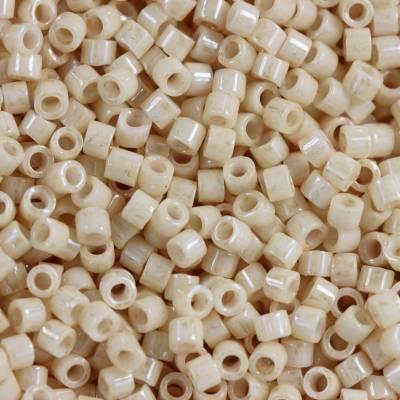 Miyuki Delica ceylon antique beige 1.6 x 1.3 mm DB-0204