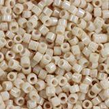 Miyuki pärlor Delica ceylon antique beige 1.6 x 1.3 mm DB-0204 / seed beads