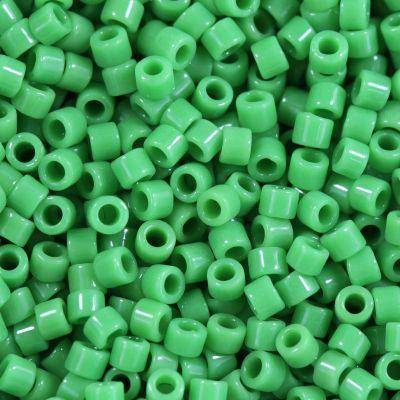 Perline Miyuki Delica opaque green 1.6 x 1.3 mm DB-724