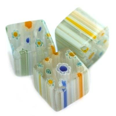 cubes white millefiori flowers 10 mm