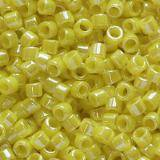 perline Toho treasure opaque-lustered dandelion 1.8 mm TT-01-128