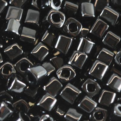 perline Toho cube opaque jet 1.5 mm TC-01-49