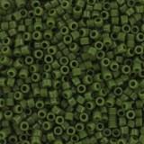 Miyuki pärlor Delica opaque avocado 1.6 x 1.3 mm DB-1135