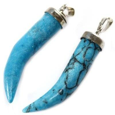 turquoise teeth pendants 30 mm / semi-precious stone synthetic