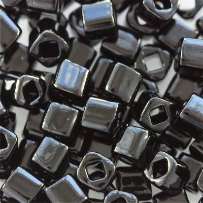 Toho beads cube opaque jet 3 mm TC-03-49